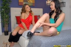 Callie Calypso brings good old lesbian humping to Nikki Bell