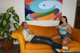 Pornstar babe Gianna Michaels shows big tits and rides a massive dick