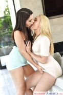 Hot chicks AJ Applegate & Valentina Nappi share kiss and large cock in 3some