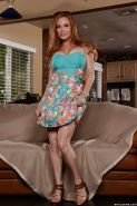 Chesty mom Diamond Foxxx lets big juggs free from summer dress