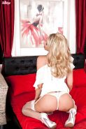 Hot MILF Lexi Lowe slipping off her lingerie and playing with herself
