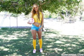 Jessie Rogers taking off her shorts and showing off her petite ass