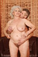 Busty granny gets a meaty dick in her cunt and gets her pussy licked
