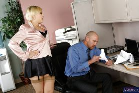 Pleasant office blonde with big tits Kagney Linn Karter meets dong