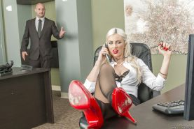 Office babe with blonde hair Gigi Allens enjoys cumshot on her big tits