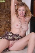 Nice blonde mature bitch with tiny tits Holly spreading her pussy #51333112
