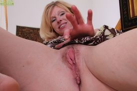 Nice blonde mature bitch with tiny tits Holly spreading her pussy #51333121