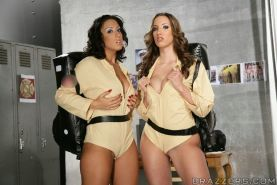 Lesbian babes Ricki White and Kelly Divine spreading their pussies