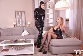 Euro dykes Kayla Green and Mary Jale suck nylon clad toes in latex clothing