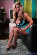 Gorgeous MILF Kristal Summers stripping and spreading her legs