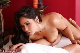 Curvy brunette masseuse Jessica Bangkok getting naked to deliver handjob