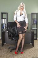 Marvelous office babe Gigi Allens demonstrates her big tits