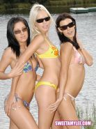 sweet amy lee and her friends gets frisky at the beach