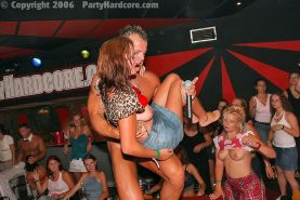 PARTY HARDCORE :: Amateur girls give awesome blowjob in the pub