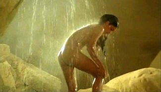 Phoebe Cates exposing her nice big tits and ass in nude movie caps