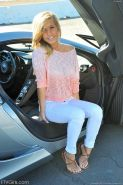 Pretty Kennedy Leigh strips naked in hot sports car