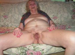 kinky amateur granny poser at home