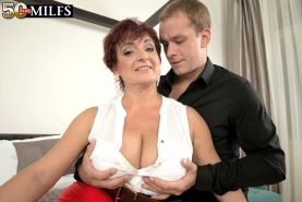 Busty MILF Jessica Hot Realy Loves To Fuck Her Wet Pussy