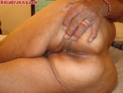 Big ass and big pussy from old sexy lady