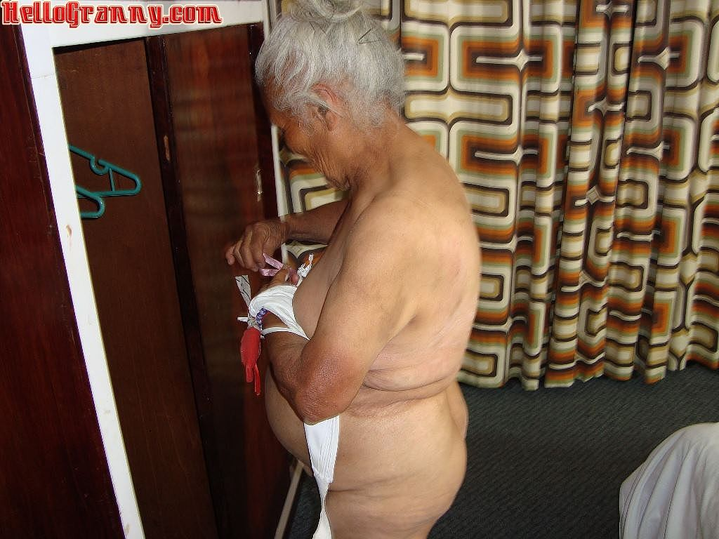 Granny in chair shows her pussy and big tits #67245516