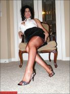 Curvy big tited mature Carol Foxxx in stockings