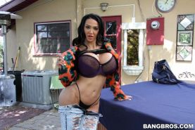 Big breasted Amy Anderssen gets cum on her hot ass after being fucked