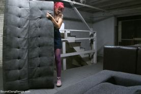 In this fantasy role play update Phoenix Askani plays an art student moving into