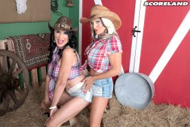 Busty cumsluts Rita Daniels and Sally DAngelo