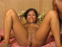 Horny Indian babe getting a nice creamed filling