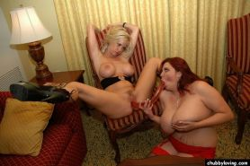 Naughty fat lesbians kissing and pleasing each others pussy #75539741