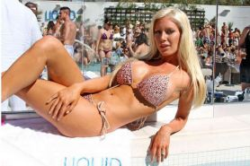 Heidi Montag exposing sexy body and huge boobs on pool