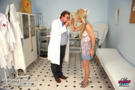 Fetish gyno mature pussy speculum clinic exam by real doctor