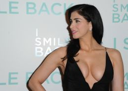 Sarah Silverman cleavy showing off her huge boobs