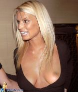 Jessica Simpson showing her pussy and tits and fucking hard