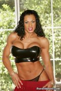 Fitness Goddess Exotica shows off her incredible muscular body
