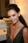 Katie Holmes braless shows huge cleavage in sexy mini dress at the Late Show wit