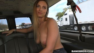 Big Butt White Chick Ride The Bus