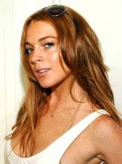 Lindsay Lohan exposing her fucking sexy body and huge boobs