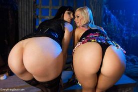 Tara Lynn Foxx gives up her big ass and hungry butt hole in this special Hallowe