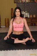 Kitana Lure gets double penetrated after her yoga session