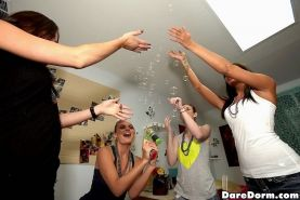 Dancing at dorm room party turns into fucking threeway