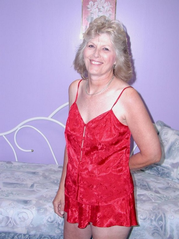 Classy granny in sexy red lingerie spreads hairy pussy on cam #77193719