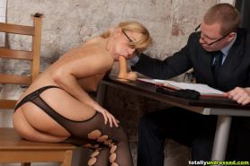 Porn interview of a blondie in the fetish pantyhose