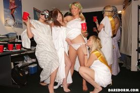 Watch these real college black out sex party pics