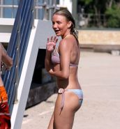 Cameron Diaz showing her nice tits on beach and her ass in green thong
