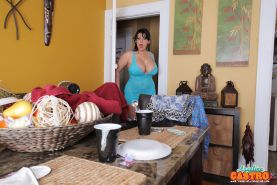 ANGELINA CASTRO CLEANS UP AND PLAYS WITH HER PUSSY