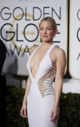 Kate Hudson braless showing huge cleavage at 72nd Annual Golden Globe Awards in