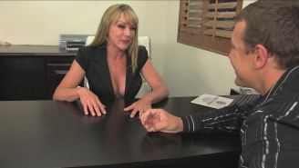 Milf boss Shayla Laveaux pussy fucked in the office