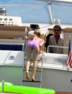 Avril Lavigne exposing sexy body and hot ass in bikini on yacht