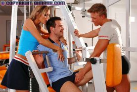 MMF workout in gym turns into a hardcore bisexual threesome